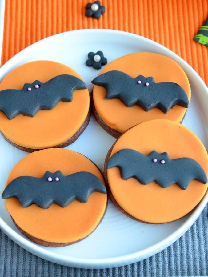 Halloween: Marmorkuchen-Cupcakes und Kekse