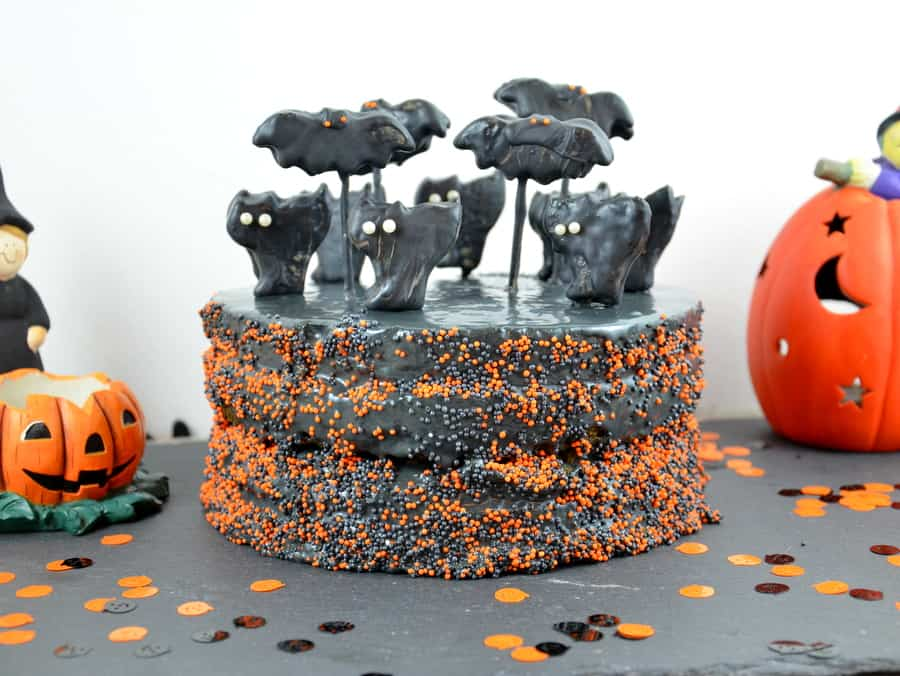 halloween torte mit katzen und flederm usen ich muss backen. Black Bedroom Furniture Sets. Home Design Ideas