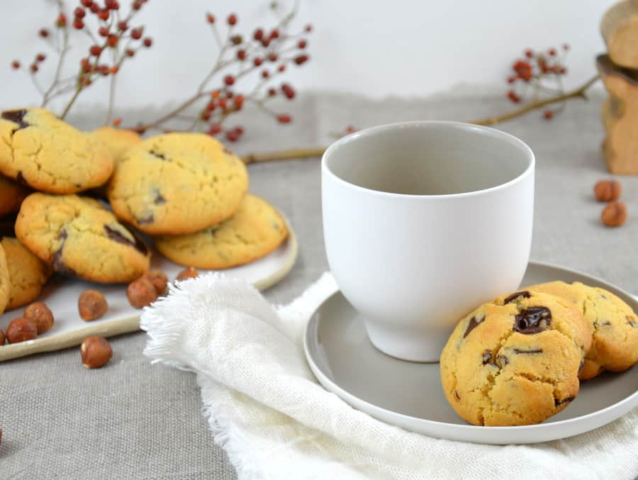Chocolate Chip Cookies mit Haselnüssen