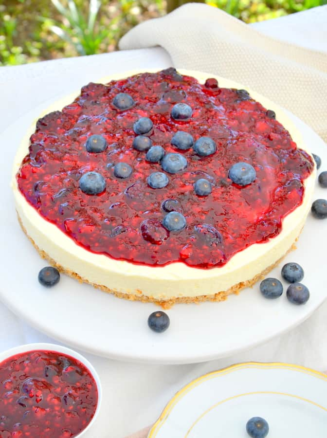 No-bake Cheesecake mit Beerentopping