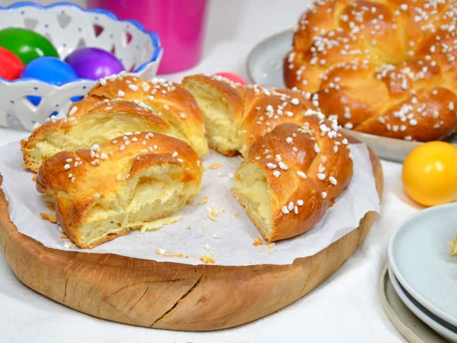 Osterkränze aus Hefeteig, Anschnitt.